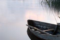 Einsames Boot Lizenzfreie Stockfotografie