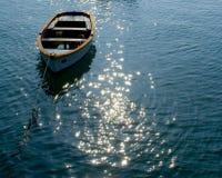 Einsames Boot Lizenzfreie Stockfotos