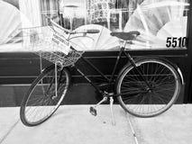 Einsames Fahrrad Stockbild