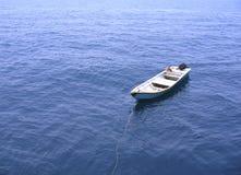 Einsames Geleitboot-Boot Lizenzfreie Stockfotos