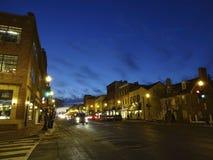Einsames M Street in Georgetown lizenzfreie stockfotos
