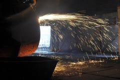 Einschmelzen des Metalls Lizenzfreies Stockfoto