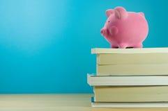Einsparung für Ausbildung Stockbilder