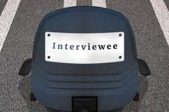 Einstellungspersonal-Konzeptplakat Text INTERVIEWTER B?rostuhl auf markierter Rollbahn oder Landstra?e in Anfangsposition Auto Id stock abbildung