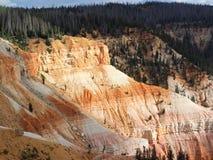 Einstellungssonnenlicht bricht nach den Klippen Cedar Breaks National Monuments Lizenzfreie Stockbilder
