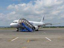 Einstieg Airbusses A320 in Ostrava Stockfoto