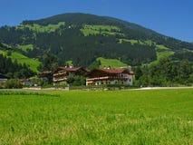 Einstieghäuser in Österreich Stockfotos