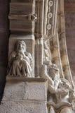 Einstiegstür der Kirche Notre-Freifrau-DU-Kampf-DU-Pont im Heilig-Jean-Gescheckt-De-Hafen, Frankreich, Architekturdetail, selekti lizenzfreie stockfotografie