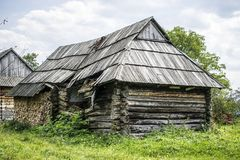 Einsturzblockhaus Stockfotos