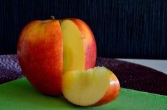 Einteiler des Apfels ist Rebellen Lizenzfreie Stockfotos