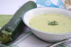 Eintopfgericht der Zucchini und der Kartoffeln Lizenzfreie Stockfotos