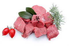 Eintopfgerichtrindfleisch auf weißem Hintergrund lizenzfreies stockbild