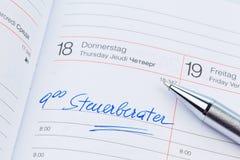 Eintritt im Kalender: Steuerberater lizenzfreie stockfotos