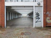 Eintritt zur Garage Lizenzfreie Stockbilder