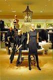 Einzelhandelsgeschäft der Kleidungs der Frauen Lizenzfreie Stockbilder
