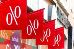 Einzelhandelspreisreduzierung in Prozent Stockbilder