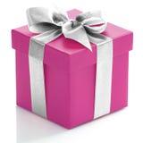Einzelne rosa Geschenkbox mit silbernem Band Stockfotos