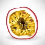 Einzelne Scheibe von passionfruit Stockbilder