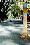Einzelne Straßenschildmarkierung Stockbild