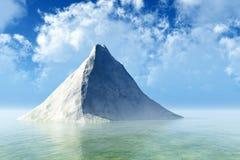 Einzelner Felsen im ruhigen Meer Lizenzfreie Stockfotos