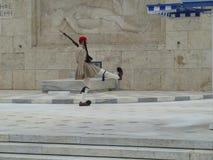 Einzelner hoch-tretender Schutz Athens Lizenzfreie Stockbilder