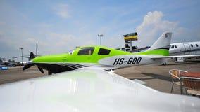 Einzelner Turbo Propellerplan Cessnas T240 Corvalis auf Anzeige in Singapur Airshow Lizenzfreie Stockfotos