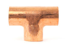 Einzelnes kupfernes Stückklempnerarbeit-Rohrfitting Stockbilder