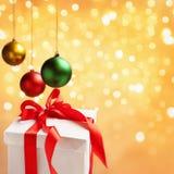 Einzelnes Weihnachtsmuster mit Verzierungen Lizenzfreies Stockbild