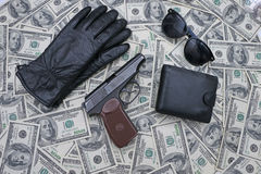 Einzelteile auf dem Hintergrund von Dollar Stockfoto