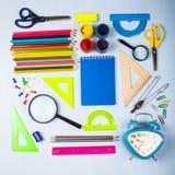Einzelteile für Schule und Tablette Stockfoto