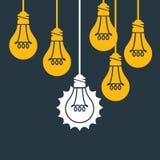 Einzigartige Idee - hängende Glühlampe Stockfoto