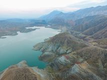Einzigartige Landschaften in Azat-Reservoir, Armenien lizenzfreie stockbilder