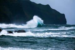 Einzigartiger Wellenbrecher Napali-Küste Lizenzfreies Stockfoto