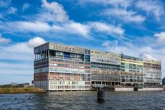 Einzigartiges Wohngebäude des modernen Designs in Amsterdam Stockfotografie