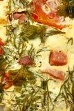 Eiomelet met tomaten stock fotografie