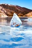 Eis auf dem Baikalsee floe stockfotos