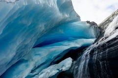 Eis-Höhle an Worthington-Gletscher in Alaska Vereinigte Staaten von Ameri stockfoto