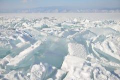 Eis im Schnee stockbild