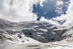 Eis, Schnee, Himmel und Berge bei Pamir Stockfoto