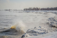 Eis-Wellen Lizenzfreie Stockfotografie