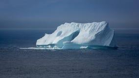 Eisberg im Atlantik stockbilder