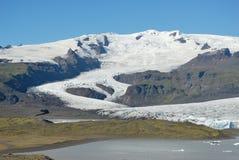 Eisberge, die in Jokulsarlon-Gletschersee, Island schwimmen Stockfoto