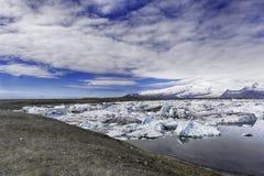 Eisberge im Jokulsarlon-Gletschersee Stockbild