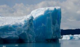 Eisberge im Wasser, der Gletscher Perito Moreno argentinien Lizenzfreies Stockfoto