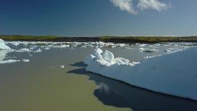 Eisberge in Island stock video footage