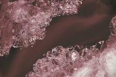 Eisbildungen in einem Fluss Wintersaison in Fluss stockbild