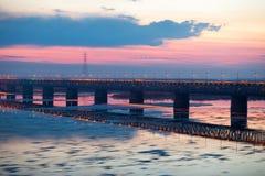 Eisblöcke winken geverwischt auf Fluss Amur, Russland zu Lizenzfreie Stockbilder