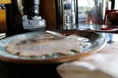 Eiscreme schmilzt schlie?lich, ist sogar so s?? und gut lizenzfreies stockbild