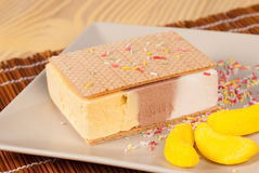 Eiscremesandwich lizenzfreie stockfotografie