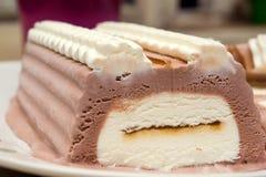 Eiscremeschokoladenkuchen Stockbild